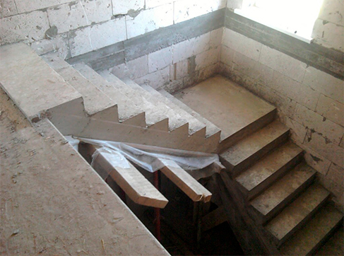 Устройство монолитных лестниц и площадок