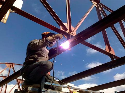 Монтаж металлоконструкций любой сложности и высоты