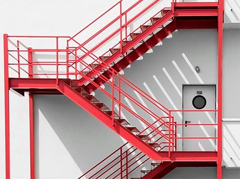 Изготовление и монтаж пожарных и эвакуационных лестниц
